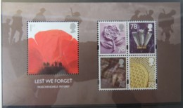 GREAT BRITAIN 2007 LEST WE FORGET MINIATURE SHEET MS2796 UNMOUNTED MINT WWI PASSCHENDAELE POPPY MILITARIA - Unused Stamps