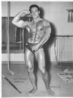 GRANDE PHOTO HOMME EN MAILLOT DE BAIN CULTURISME CULTURISTE JEAN CHRISTIAN RODRIGO  29 X 22 CM - Sports