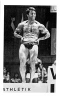 PHOTO HOMME  EN MAILLOT DE BAIN CULTURISME CULTURISTE   15 X 9.5 CM - Sports