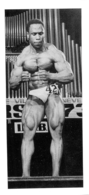 PHOTO HOMME  EN MAILLOT DE BAIN CULTURISME CULTURISTE   14 X 6.5 CM - Sports