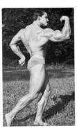 PHOTO HOMME  EN MAILLOT DE BAIN CULTURISME CULTURISTE   15 X 8.50 CM - Sports