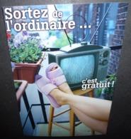 Carte Postale - Sortez De L'ordinaire ... C'est Gratuit ! (poste De Télévision) CinéRobothèque De L'ONF - Montréal - Publicité