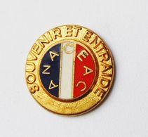 Pin's Souvenir Et Entraide ANACEAC  - 42R - Verenigingen