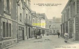 44 St Etienne De Montluc, Place De L'Eglise, Nord-Est, Commerces, Charrette Attelée...,  Carte Pas Très Courante - Saint Etienne De Montluc