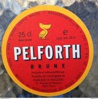 Six Sous-bocks Pelforth - Newcastle Brown Ale - Pilsner Urquell - Staropramen - Zillertal Bier - Kronenbourg (années 90) - Sous-bocks
