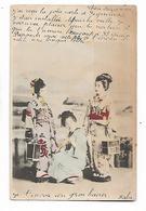 3  Femmes  Japonnaises  Portent Les  Boites - Non Classés