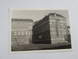 A 1283 - Collège St Louis Waremme Avenue Reine Astrid école Primaire Cour De Récréation 1989 - Waremme