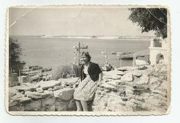 Woman  Pose For Photo   Fr424-160 - Anonyme Personen