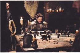 Postcard - Game Of Thrones - Robb Stark (Richard Madden) Studying Battle Plan - New - Postcards