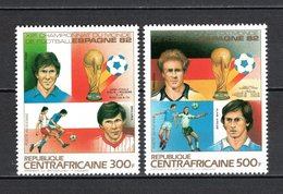 CENTRAFRIQUE PA N° 285 + 286  NEUFS SANS CHARNIERE COTE  8.50€  FOOTBALL - República Centroafricana