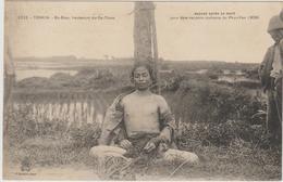 CPA  VIETNAM TONKIN  BA BIEU LIEUTENANT DU DE THAM EXPOSE APRES SA MORT POUR ETRE RECONNU 1909 - Cartes Postales