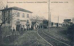 I100 - 38 - BERNIN - Isère - La Gare - Le Tramway De Chapareillan Et L'Hôtel Janin - Autres Communes