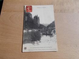 Gorges De L`Ardeche - La Cathedrale, Ou Rocher Des Trois Aiguilles - Frankreich