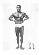 PHOTO HOMME EN MAILLOT DE BAIN CULTURISME CULTURISTE   29 X 21 CM - Sports