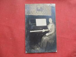 RPPC Female Piano Player >  Ref 3256 - Postcards
