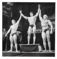 PHOTO HOMME EN MAILLOT DE BAIN CULTURISME CULTURISTE  12.50 X 12 CM - Sports