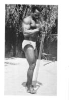 PHOTO HOMME EN MAILLOT DE BAIN CULTURISME CULTURISTE 15 X 10.50 CM - Sports