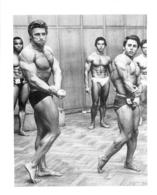 PHOTO HOMME EN MAILLOT DE BAIN CULTURISME CULTURISTE  12 X 9.50 CM - Sports