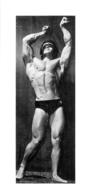 PHOTO HOMME EN MAILLOT DE BAIN CULTURISME CULTURISTE 18 X 8 CM - Sports