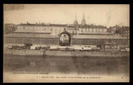 64 - Bayonne Les Halles Et Les Flèches De La Cathédrale #00225 - Bayonne