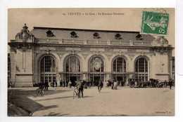 - CPA TROYES (10) - La Gare 1913 - Le Nouveau Vestibule (belle Animation) - Collection T. G. N° 19 - - Troyes