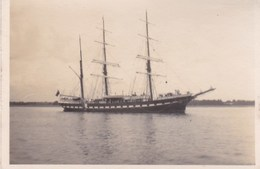 Trois Mats - Boats