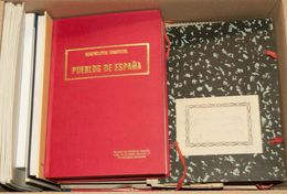 (1975ca). Conjunto De Publicaciones De Filatelia Española, Incluye Catálogos, Libros Divulgativos, Etc (hay Libros De In - Spain