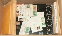 (1975ca). Conjunto De Libros Divulgativos De Filatelia Francesa Destacando El Catálogo Especializado Del Año 1975 (1º To - Spain