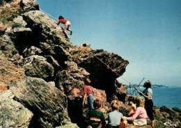 CPM - ALPINISME - LE CLION S/MER - Initiation à L'escalade - Alpinisme