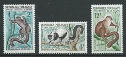 MADAGASCAR 1961 . N°s 357 , 358 Et 359 . Neufs ** (MNH) . - Madagascar (1960-...)