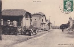 ETON  (  CENTRE DU VILLAGE ) Vue Peu Courante  PRIX FIXE - France