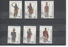 Tanzanie - Costumes Africains : Berts, Galla, Oualof, Peul, Pahouin, Guerrier Guinéen, Guerrier Abyssin - - Tanzanie (1964-...)