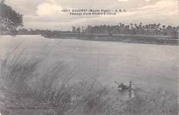 Afrique >  Haut Dahomey   (Moyen Niger) A.O.F Passage D'une Rivière à Cheval  (Collection Geo Walber Dahomey )*PRIX FIXE - Dahomey