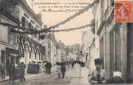 37 CHATEAURENAULT La Rue De La République Le Jour De La Fête Des Fleurs - France