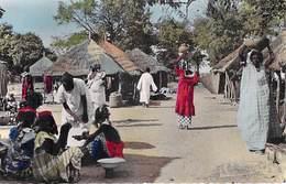 L'AFRIQUE En Couleurs Village Africain   Editions HOA QUI 758 *PRIX FIXE - Non Classés