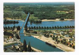 45 Briare Le Canal N°3819 Vue Sur Le Pont Canal D'Eiffel Motel VOIR ZOOM Belle Péniche - Briare