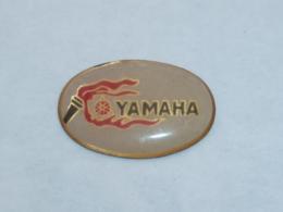 Pin's LOGO YAMAHA - Motos