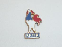 Pin's COQ FEDERATION FRANCAISE DE TIR - Pin's