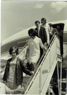 Foto/Photo. Passagers Avion SABENA Et Passerelle IBERIA. Palma De Majorque.  1978. - Aviation