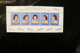 New Zealand 620 Sheet Of Five MNH 25th Anniversary Of Reign Of Queen Elizabeth II 1977  A04s - New Zealand