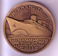 """Médaille Souvenir Du Bateau """"Normandie"""" De La Compagnie Générale Transatlantique - 1935 - 3 Scan. - Tourist"""