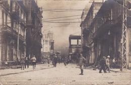 Grèce RARE CARTE PHOTO UNIQUE SALONIQUE PENDANT L4INCENDIE RUE VENIZELOS 18/08/1917 - Grecia