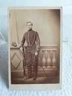 Ancienne Photo En Format CDV Soldat Officier Français XIXe Cavalerie Dragon Chasseur ? Photographe G. MARGAIN - Guerre, Militaire