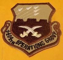 INSIGNE EN TISSU ARMEE AMERICAINE :4404 TH OPERATIONS GROUP , ARMEE DEL'AIR  , BON ETAT VOIR PHOTO . - Ecussons Tissu