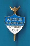 1 PIN'S  //  ** NACIOUN GARDIANO / LOURDES / 1999 ** - Tauromachie - Corrida