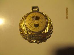 BADMINTON MEDAL , O - Badminton