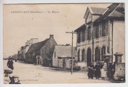 CPA Landévant - La Mairie (avec Animation) - Other Municipalities