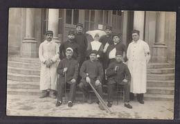 CPA PHOTO GUERRE 14-18 - TB PLAN Groupe Militaires , Infirmière Hôpital Santé Ambulance En CP Photographique - Guerre 1914-18