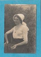 Carte Photo : Portrait D'une Cayolaise. ( Chapuzot - Photographe, Place Courbet, Cayeux, Somme ). - Cayeux Sur Mer