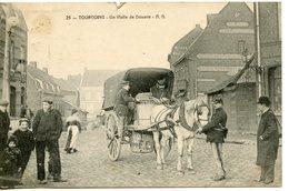 1013. CPA 59 TOURCOING. UNE VISITE DE DOUANE 1907 - Tourcoing
